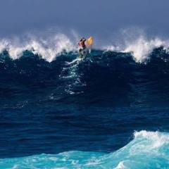 Chuck Patterson rocks his Naish Hokua with power and then some!